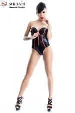 Body Fumi  : Body bustier en wetlook souligné de rouge, collection Shibari, par Demoniq.
